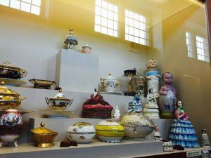 Choco-story Tea pots