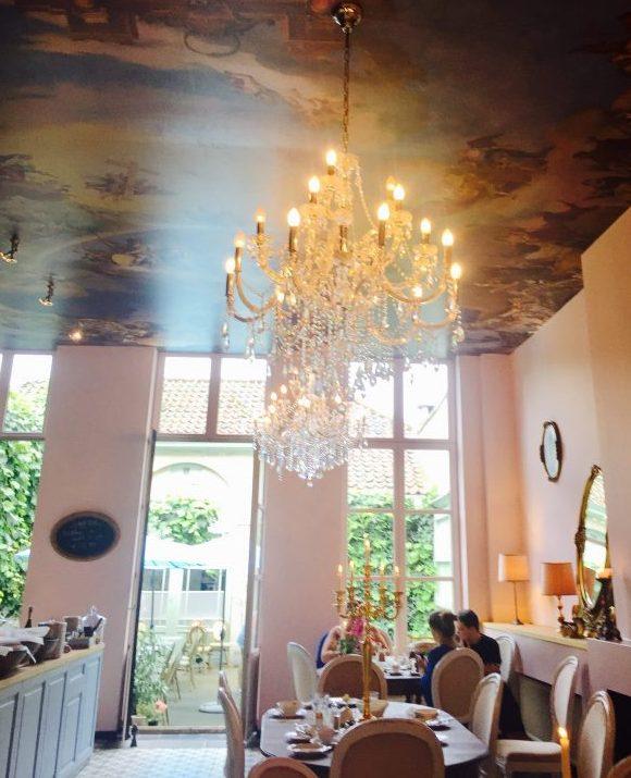 Alice - Beautiful Tearoom!