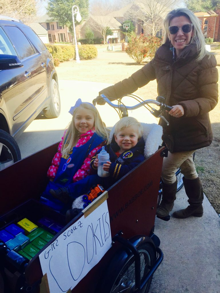 Selling Girl Scout Cookies Door-to-Door in Texas Using Our Bakfiets